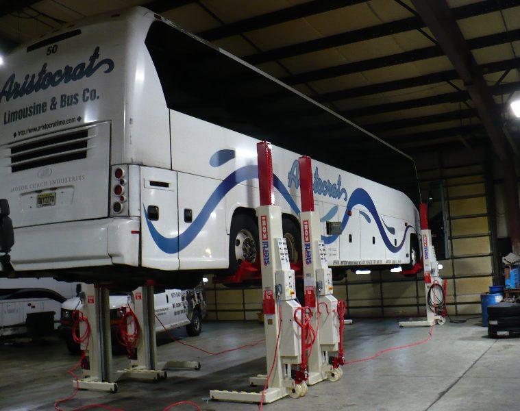 Wireless Mobile Column Lift - Bus