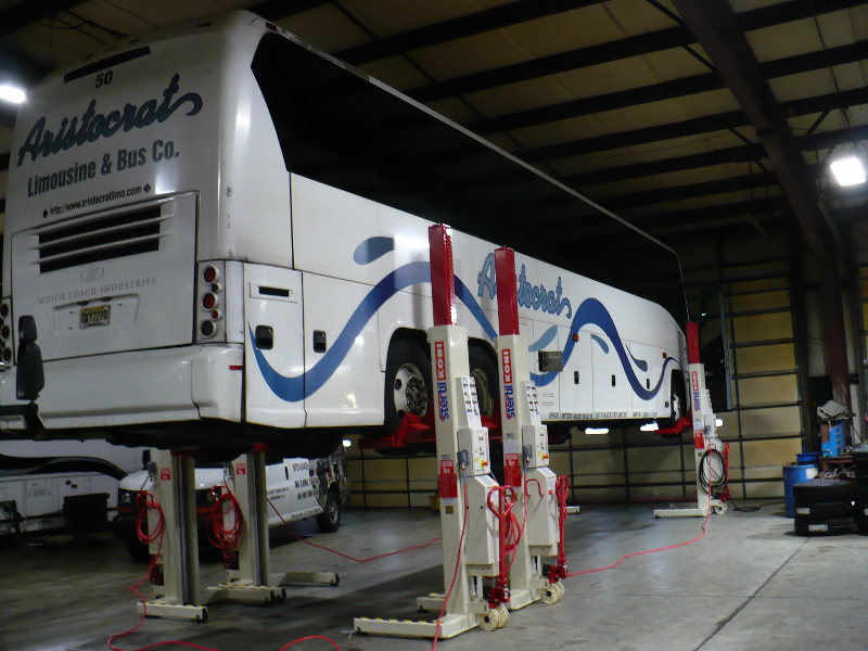 Wireless Mobile Column Lift - Bus